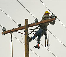 Danger Jobs: Power Line Helicopter Maintenance